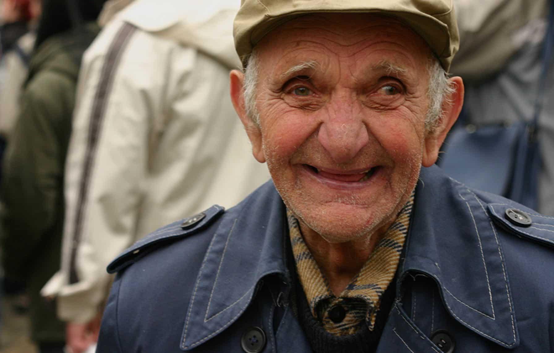 stari djed smijeh